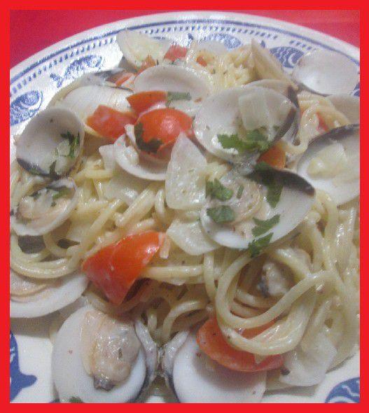 Spaghettis aux Palourdes, Crème à l'Ail et Vin Blanc (Espaguete com Amêijoas, Creme de Alho e Vinho Branco)