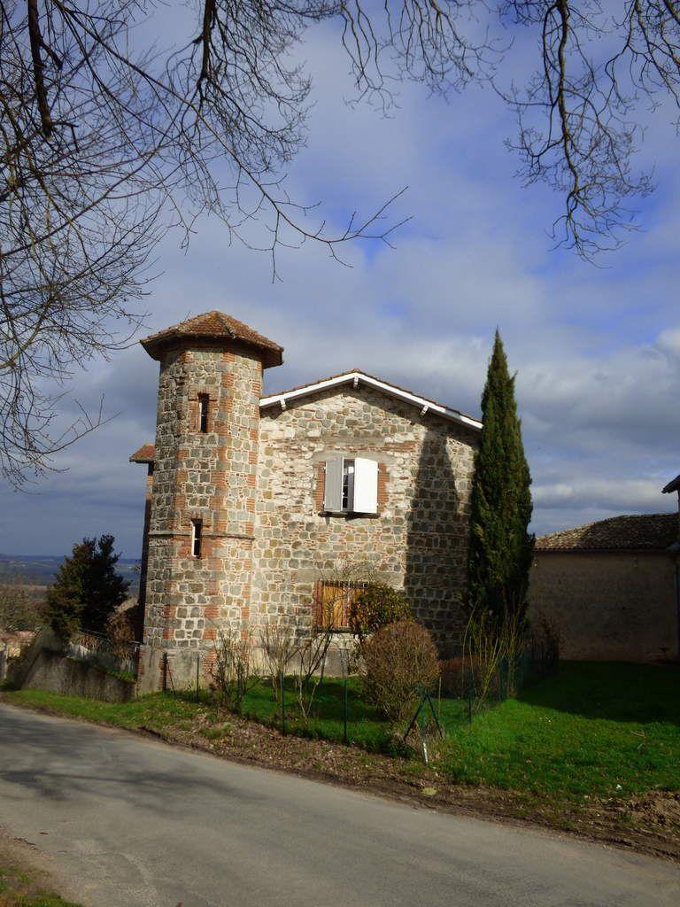 Le village d'Ambres dans le Tarn.