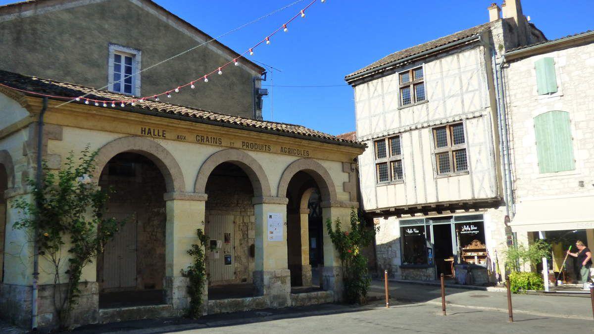 Issigeac: bastide médiévale en Dordogne.