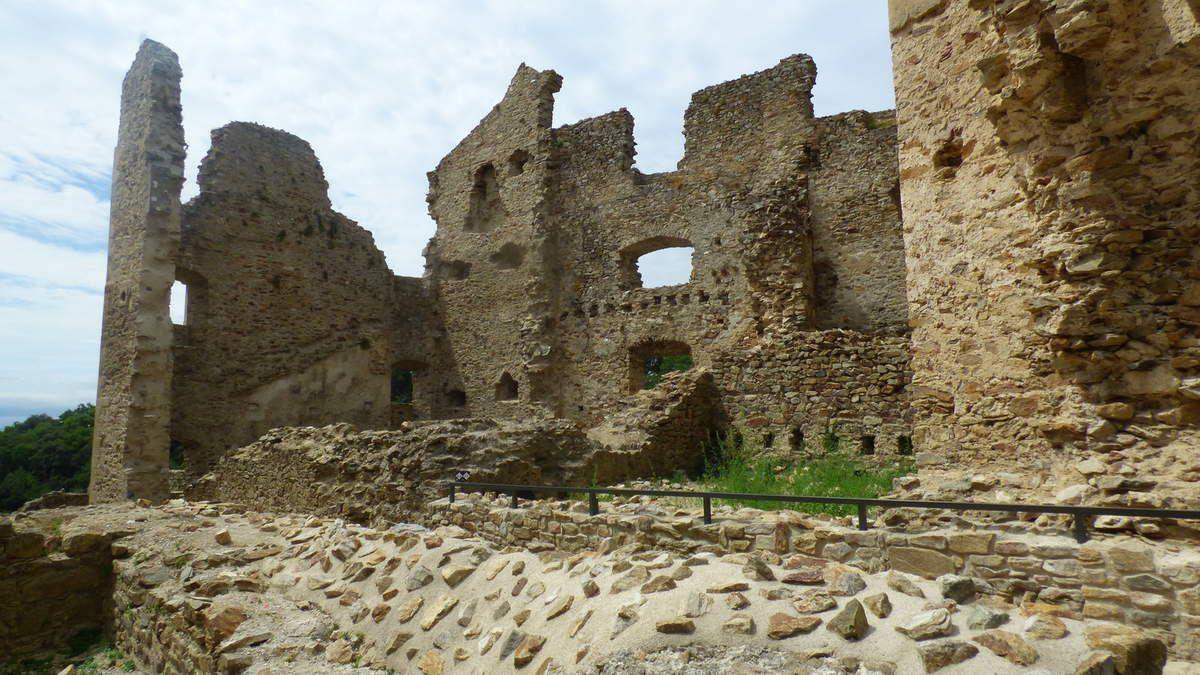 Le château de Saissac dans l'Aude.