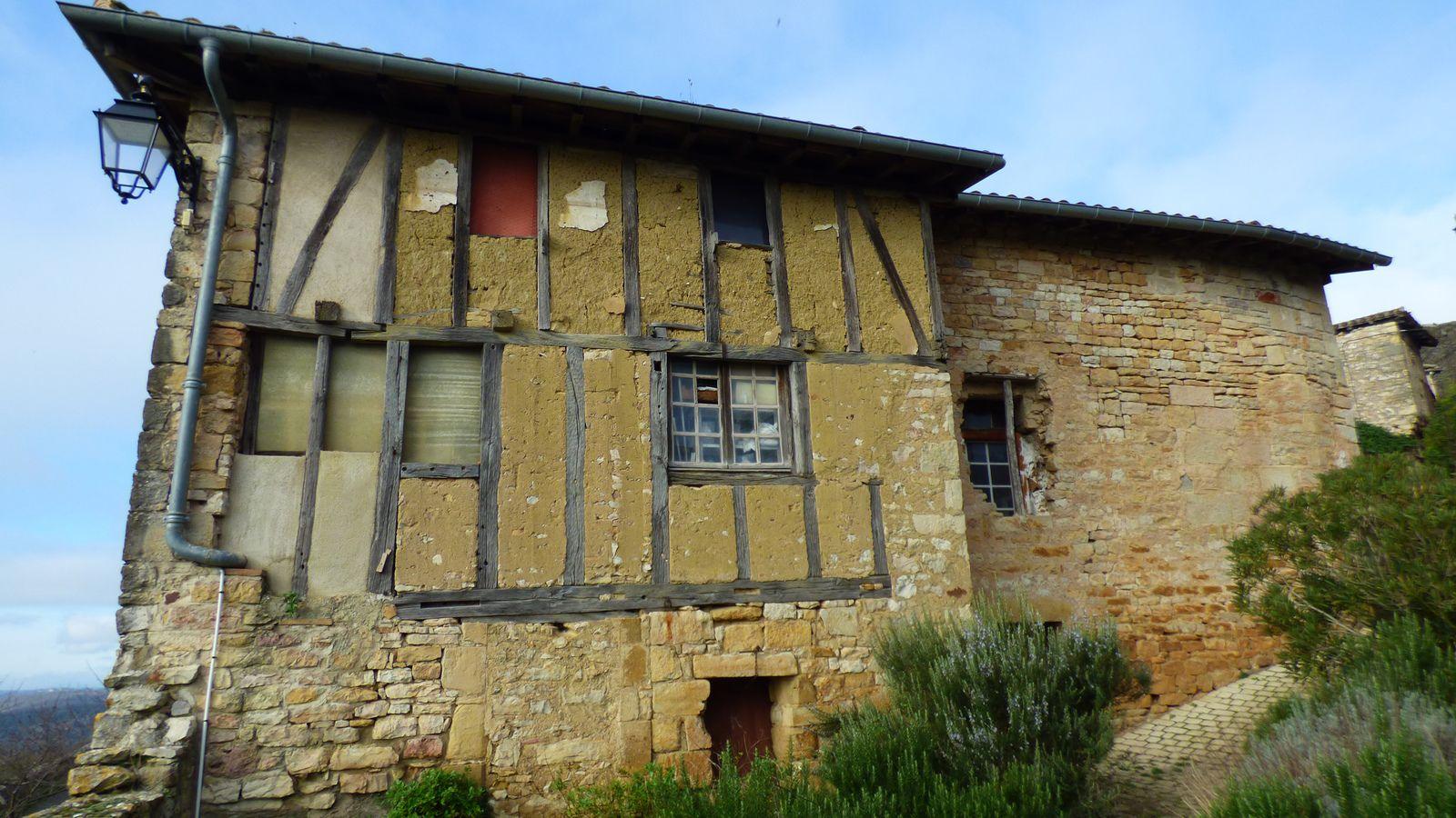 Puycelsi, la forteresse des bois/Tarn /1erpartie.