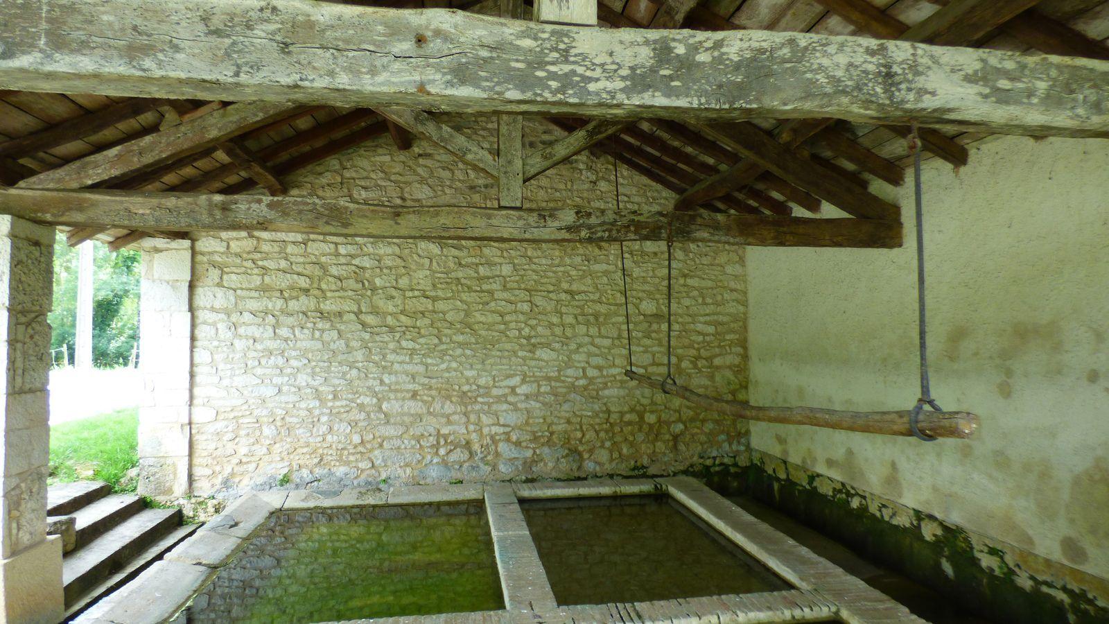 Le lavoir d'Itzac dans le Tarn.