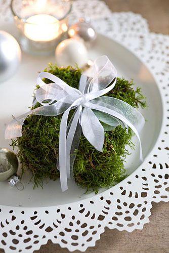 decoration table de noel  cadeau en mousse verte