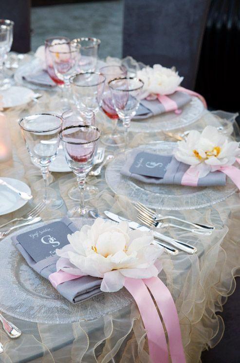decoration de table gris et rose