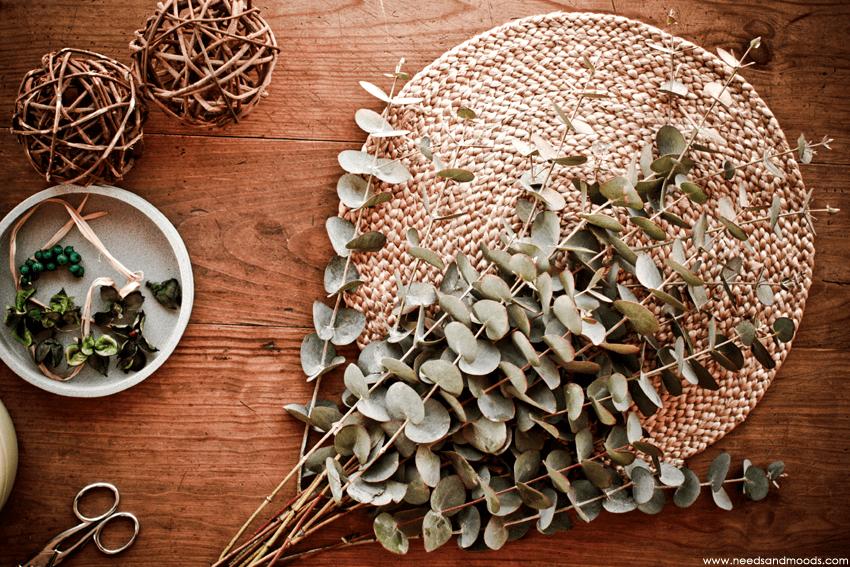 DIY:  une idée de centre de table à faire soi-même avec de l'eucalyptus.