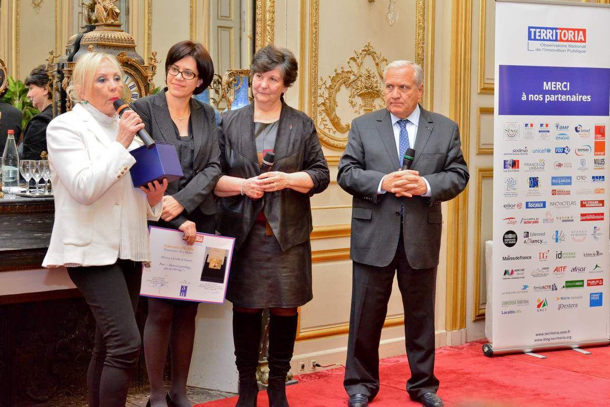 La remise du Prix Territoria d'or 2016, catégorie Environnement, parrainé par les Eco-Maires, à la ville de castres, le 23 novembre dans les Salons de Boffrand de la Présidence du Sénat.