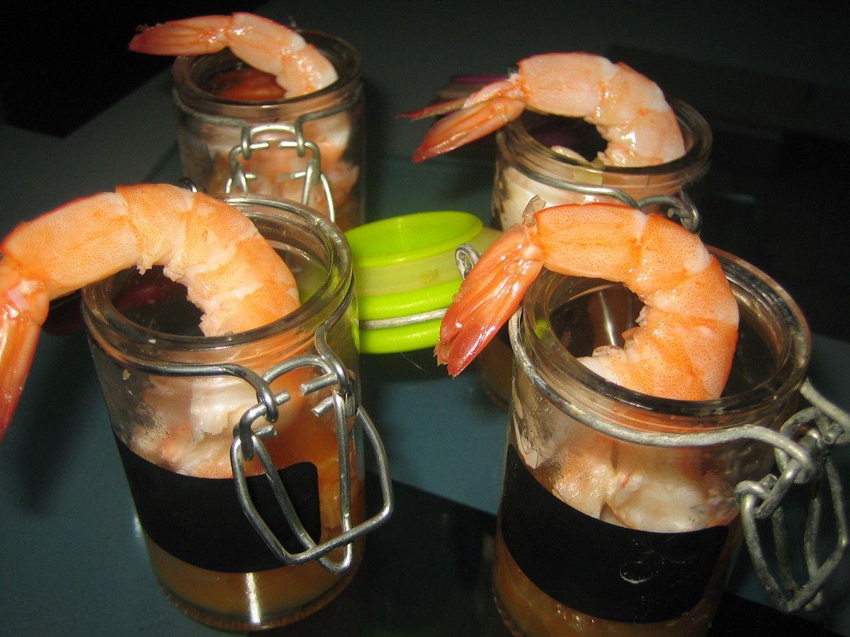 Une petite recette de verrines toute simple à réaliser. Un mélange original, subtil et exotique de la crevette, du gingembre frais et de la mandarine.  A déguster à l'apéro et surtout bien frais!.