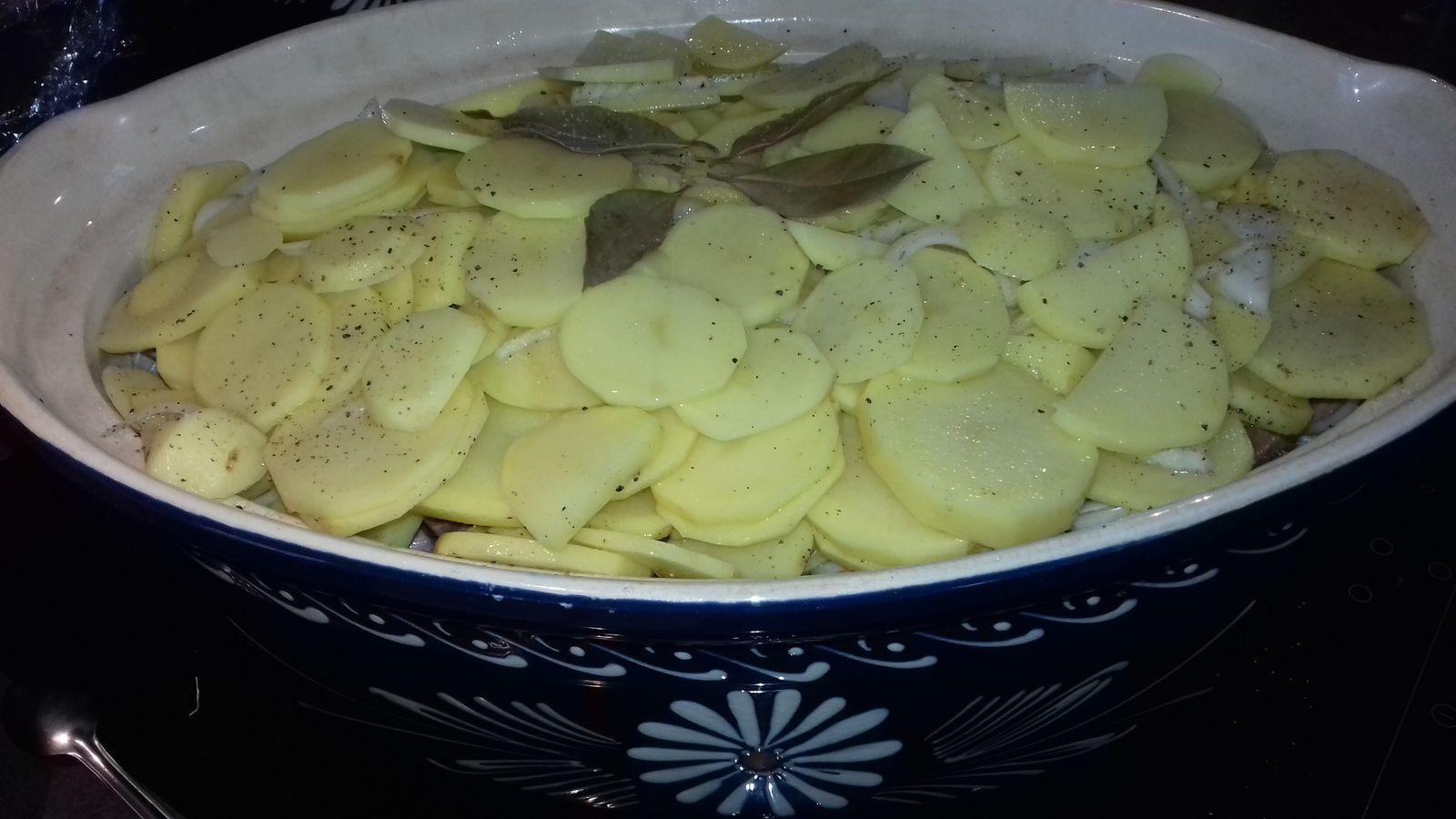 Baeckeaoffe-Bäckeoffe-Bäckaofa ou potée boulangère alsacienne