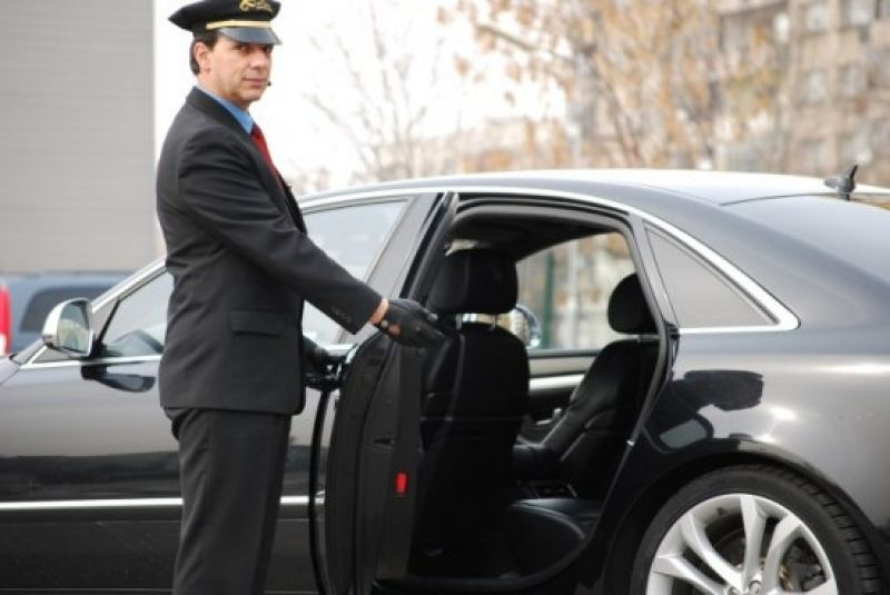 Private Car Rental >> Factors To Consider When Selecting Private Car Hire With