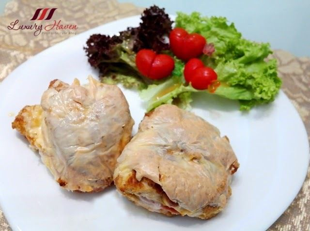"""Filets de poulet au fromage cuits au jambon, Finger Lickin , Baked Cheesy Chicken Fillets with Ham, Finger Lickin """"Luxury Heaven"""""""