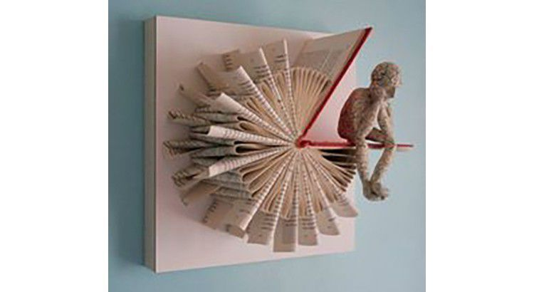 Un livre en déco murale-A wall decoration book