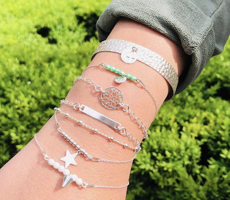 Jolis bracelts-Beautiful bracelets
