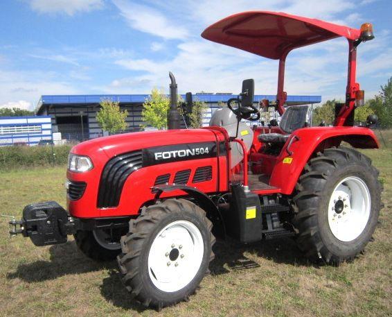 vidéo d'un tracteur Foton 50cv au travail