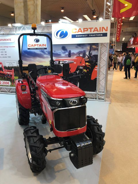 microtracteur captain 27 cv distribué par Eurotek France