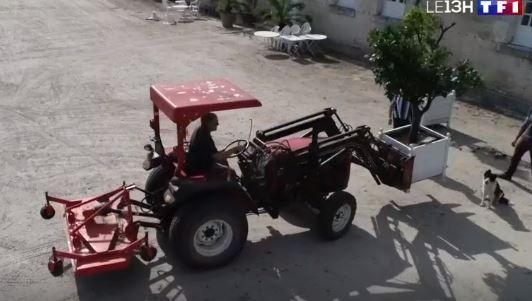 tracteur foton lovol au chateau de villesavin - chateaux de la loire