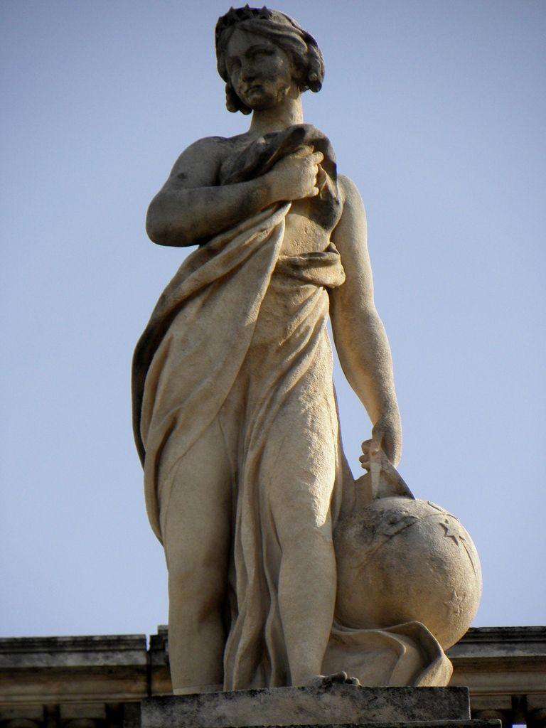 Uranie, Muse de l'astronomie (Grand Théatre de Bordeaux)
