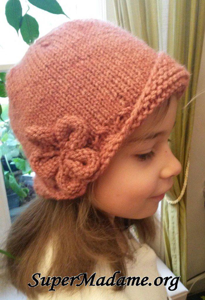 Tricot vintage   un chapeau cloche pour une petite fille - SuperMadame f7b715fb438