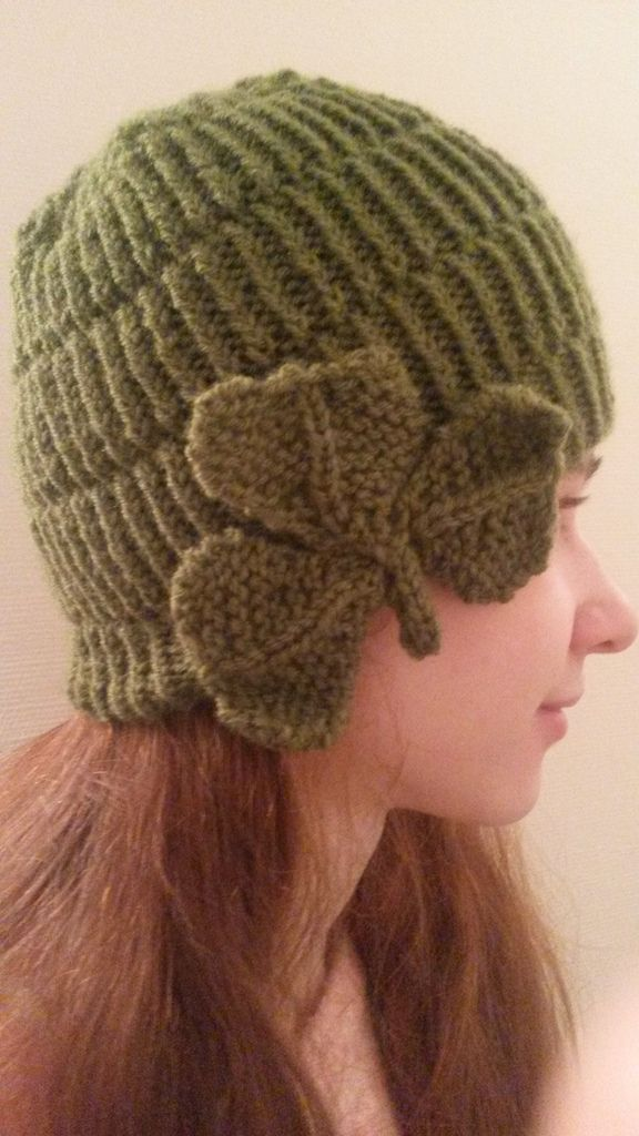 tricot modèle gratuit bonnet fantaisie avec trèfle