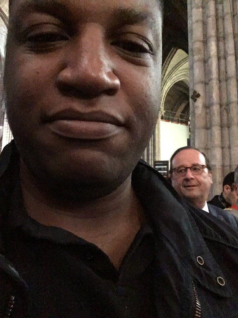 Brillant Photobomb où j'ai réussi à incruster le président Hollande sur mon selfie