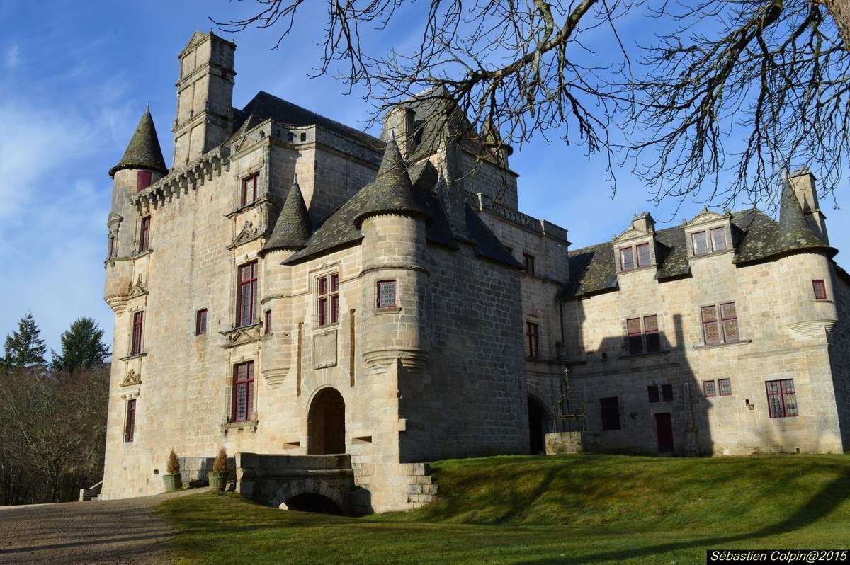 Le château de Sédières (Castèl de Sediera en occitan) est un château du département de la Corrèze, situé sur la commune de Clergoux de 130 hectares de forêts, d'étangs et d'eaux vives.
