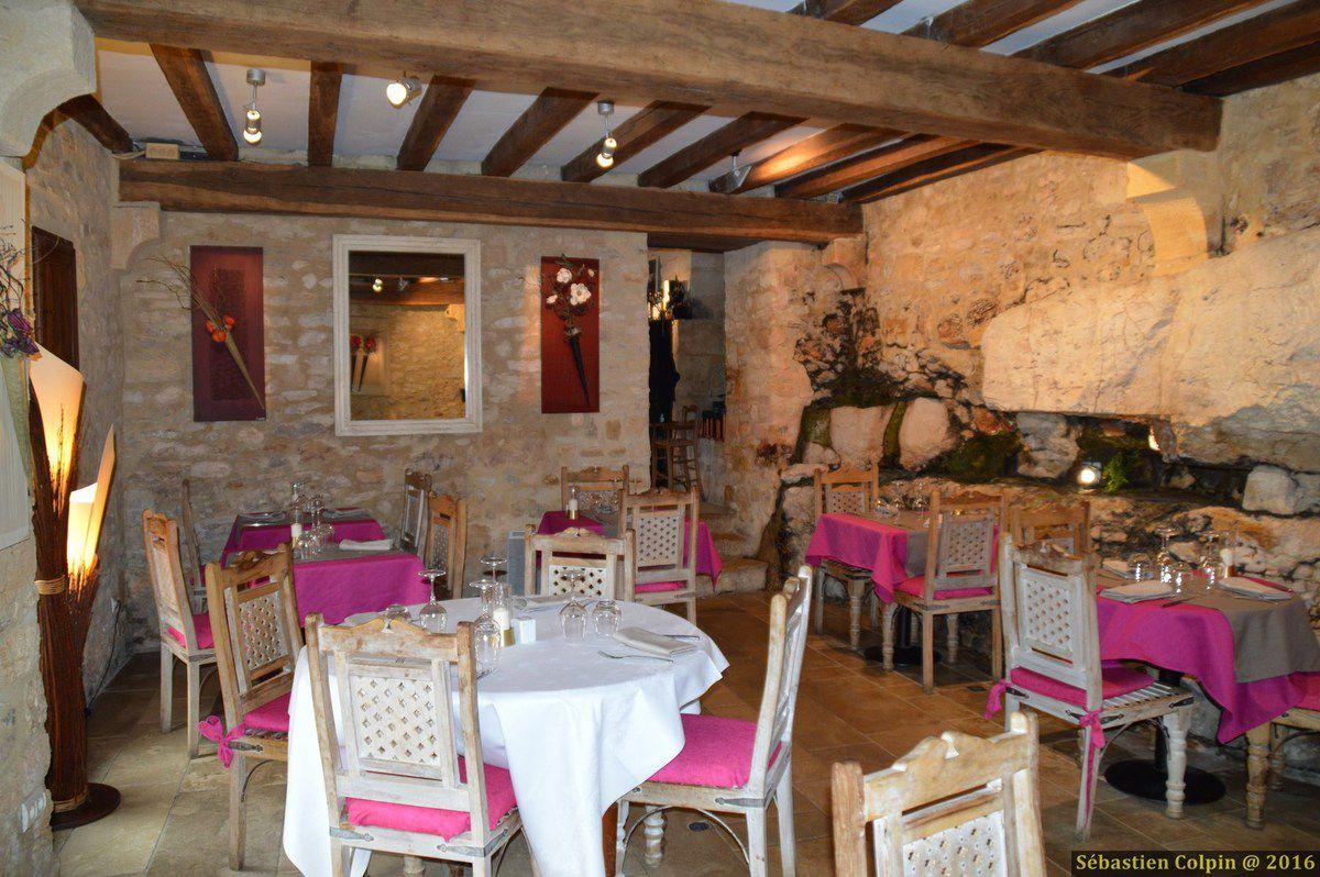 Magnifique village typique de Dordogne où nous nous sommes restaurés...un festival de goût et de saveurs...