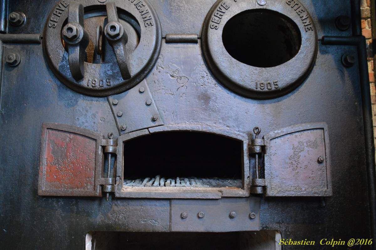 Photos de l'ancienne Papeterie de Vaux (1861/1968) à Payzac en Dordogne visitée dans le cadre des journées du patrimoine meulier. Ces clichés vous montrent la qualité de la fabrication française avec ses machines et ses équipements 100% français de l'époque...