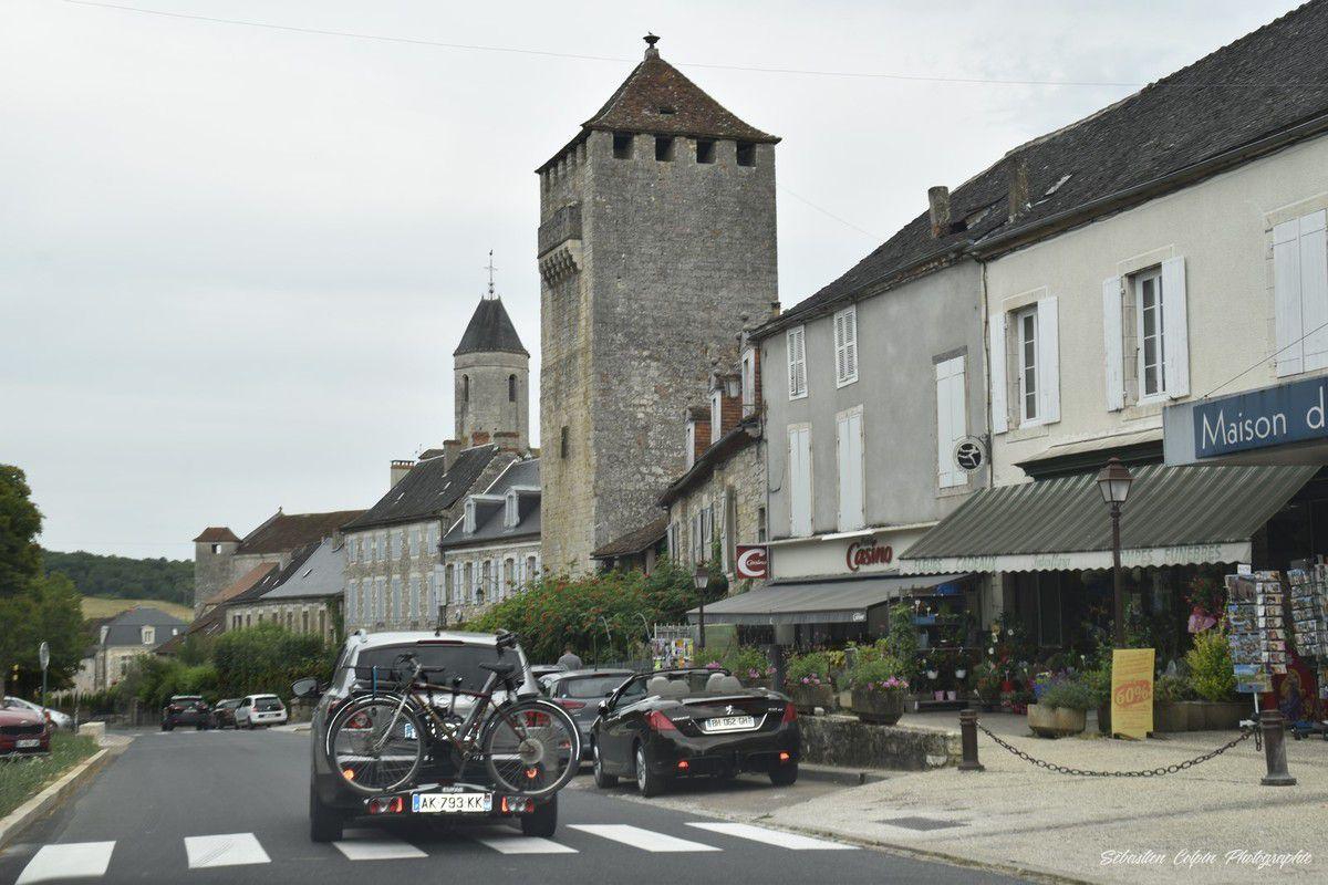En route vers Rocamadour en passant par Martel, à la découverte de l'Eglise de l'Hospitalet, du canyon de l'Alzou, du château et de la cité religieuse.