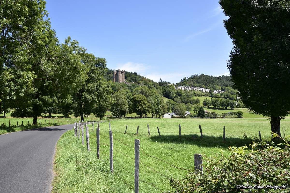 Le Château d'Anjony à Tournemire en Cantal, un authentique patrimoine