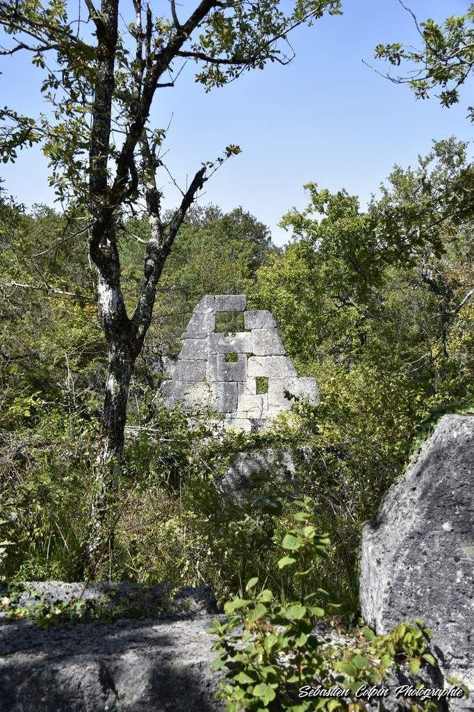 Un village abandonné du XIIIème siècle, patrimoine du paranormal