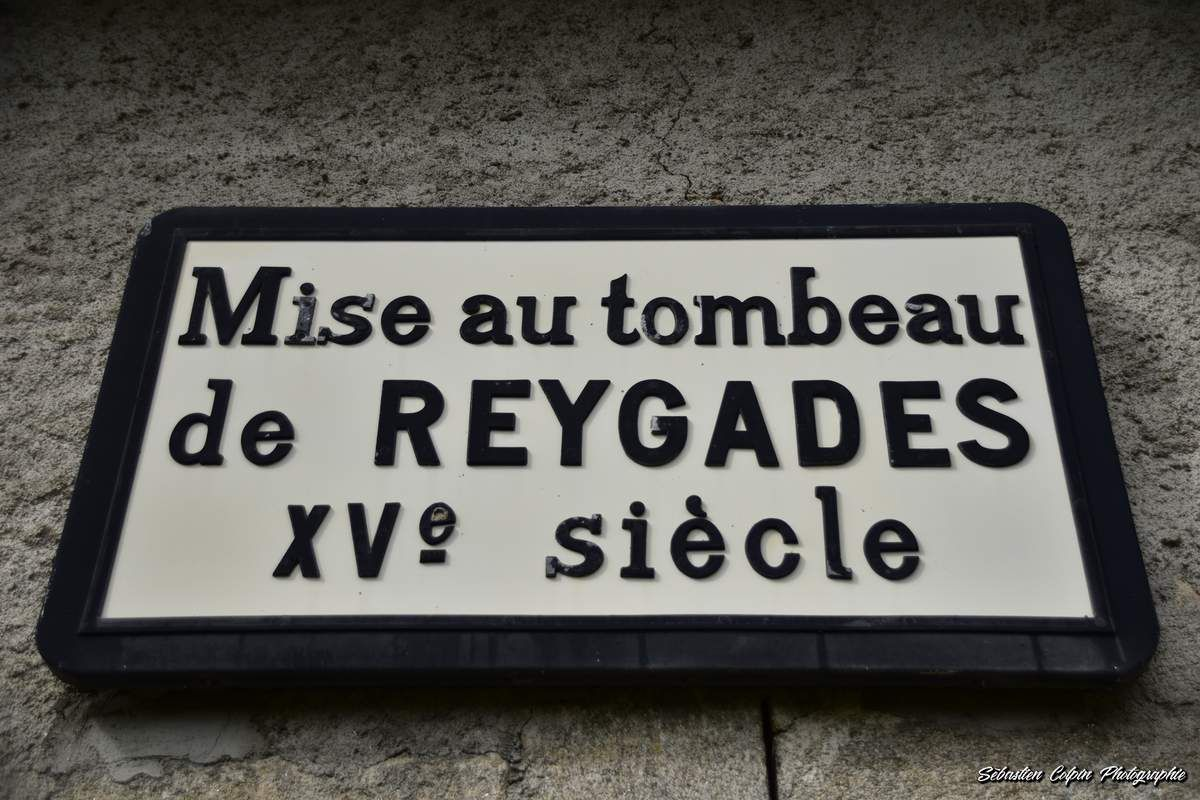 Mise au Tombeau, oeuvre du XVème siècle à Reygade en Corrèze