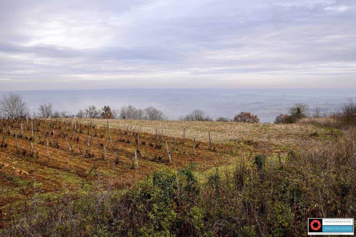 Ayen en Corrèze, table d'orientation, vignes et paysage