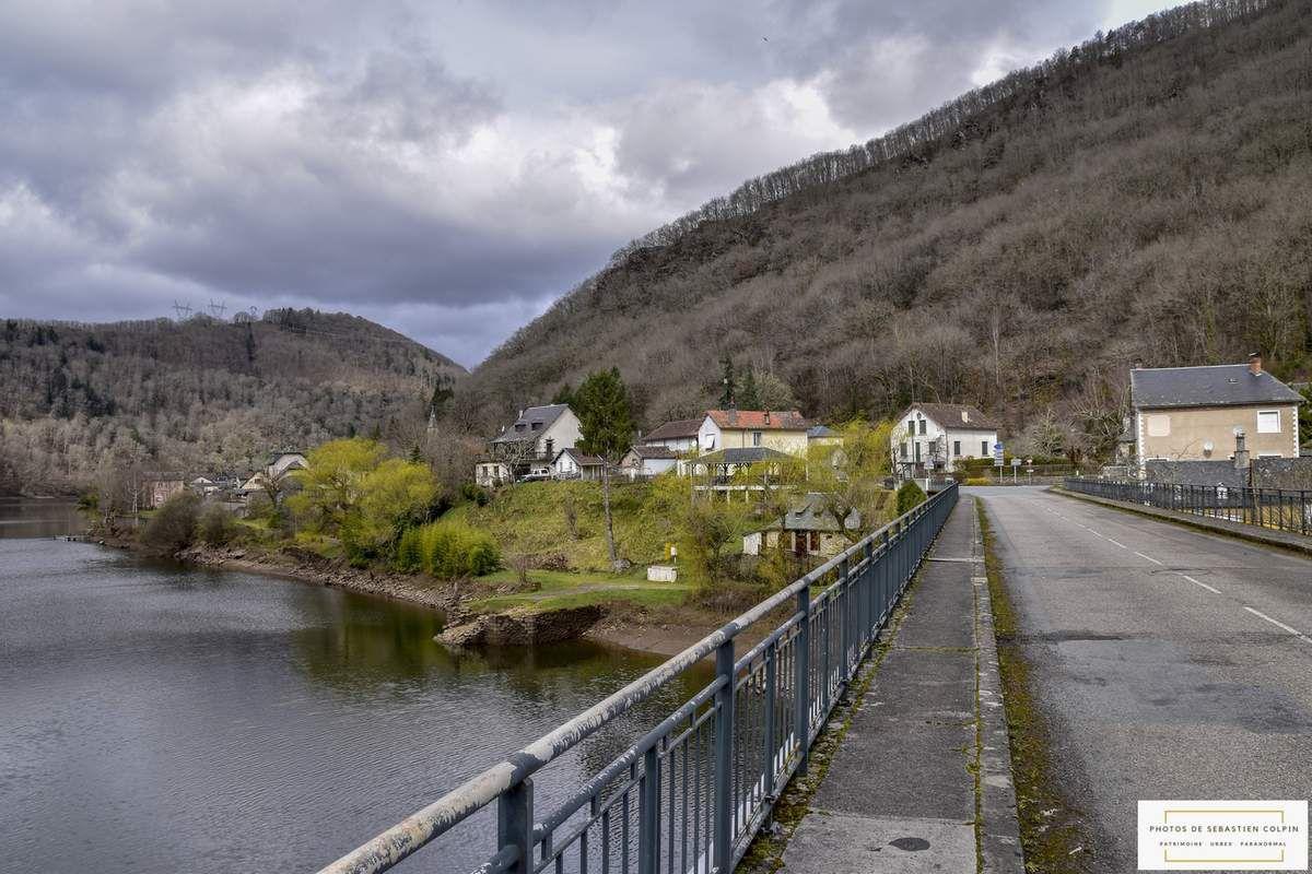 Entre Corrèze et Cantal, de Spontour à Aynes