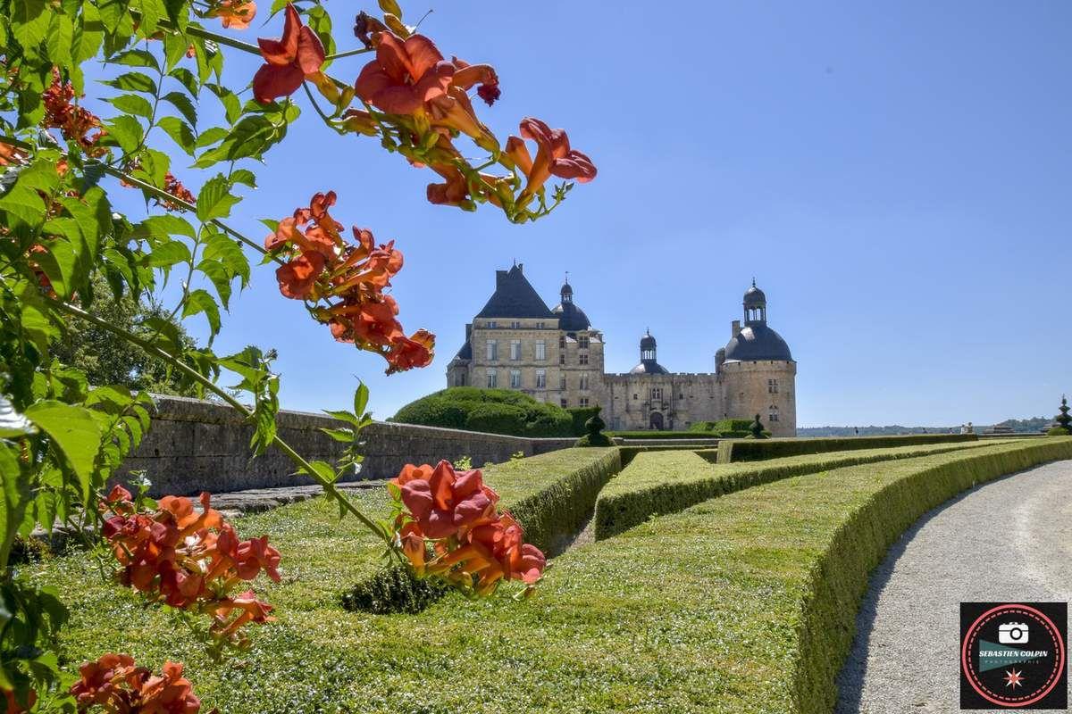 Le Château de Hautefort en Dordogne