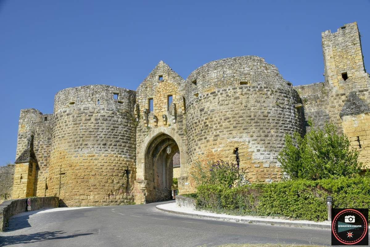 Domme en Dordogne, village extraordinaire et la prison des templiers...