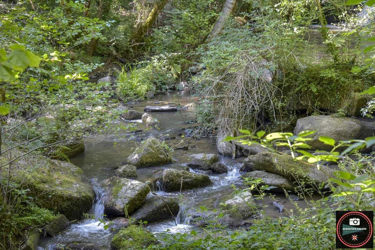 Les cascades du ruisseau du Clan à Allassac en Corrèze