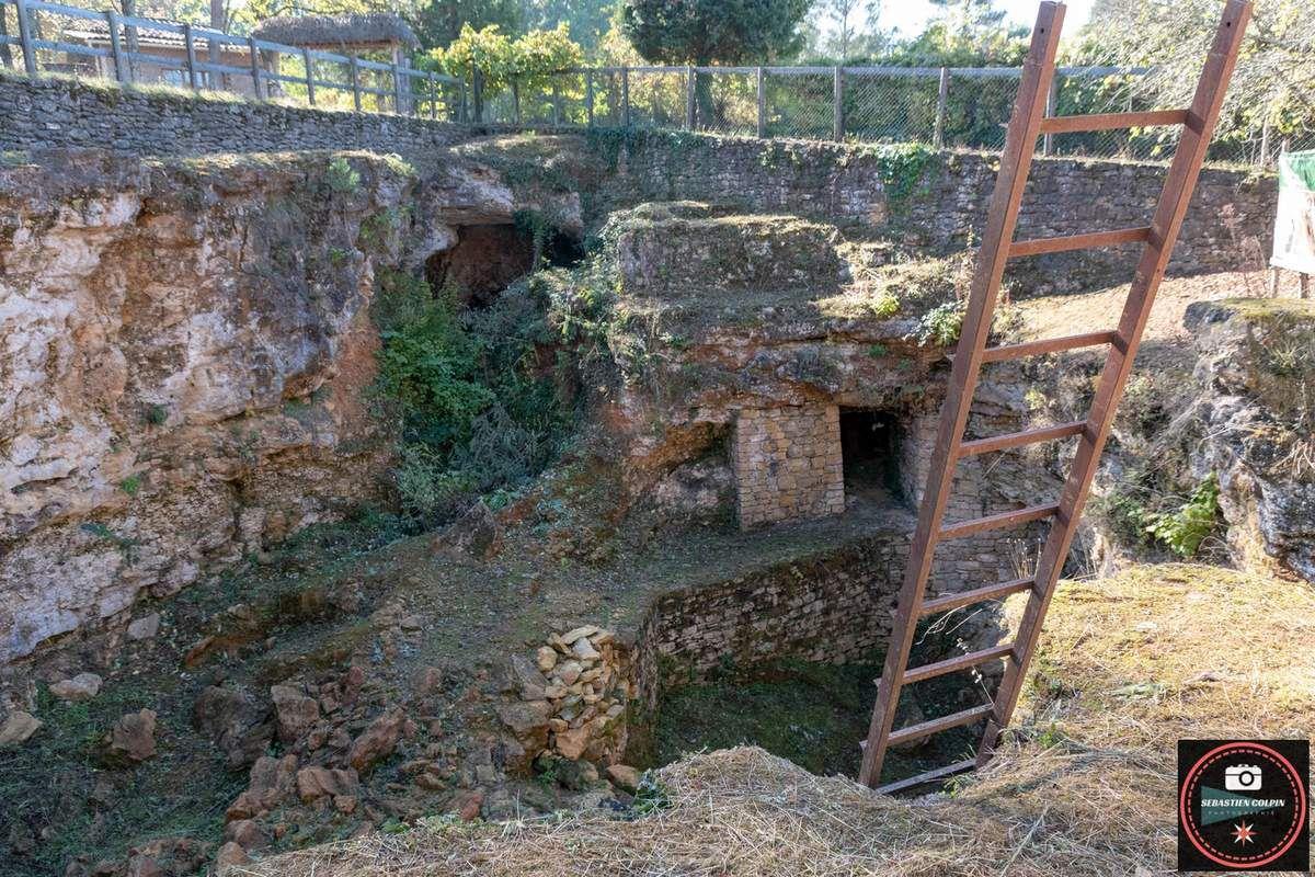 Site du Regourdou à Montignac, gisement préhistorique néandertalien en Dordogne