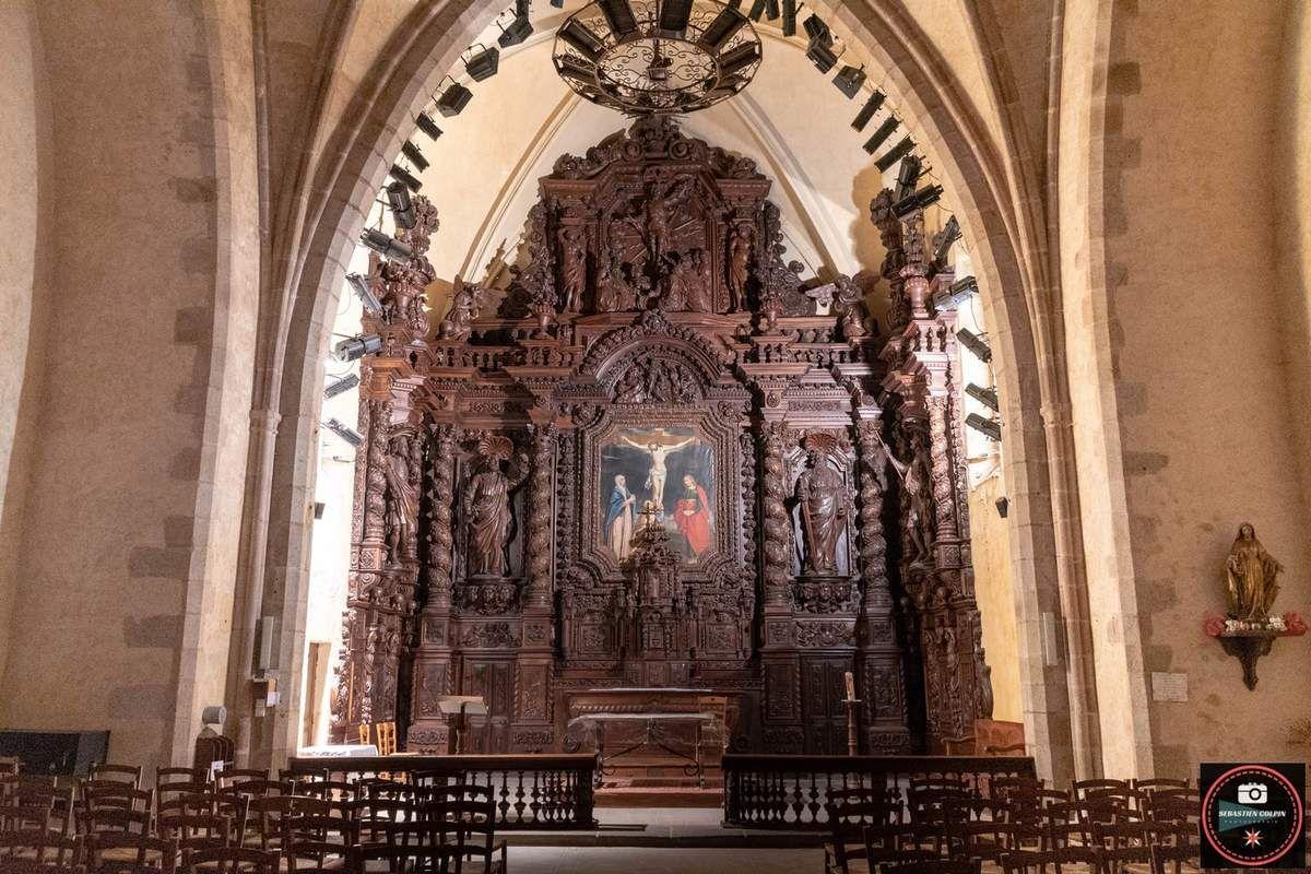 Le Retable de l'Eglise Saint-Pierre de Naves en Corrèze
