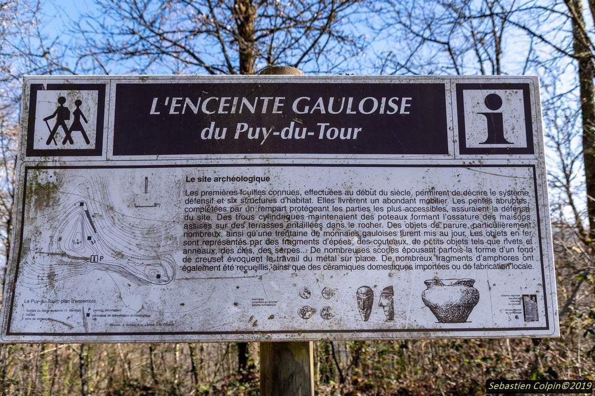 Le Puy du Tour, Oppidum gaulois à Monceaux sur Dordogne, commune d'Argentat en Corrèze