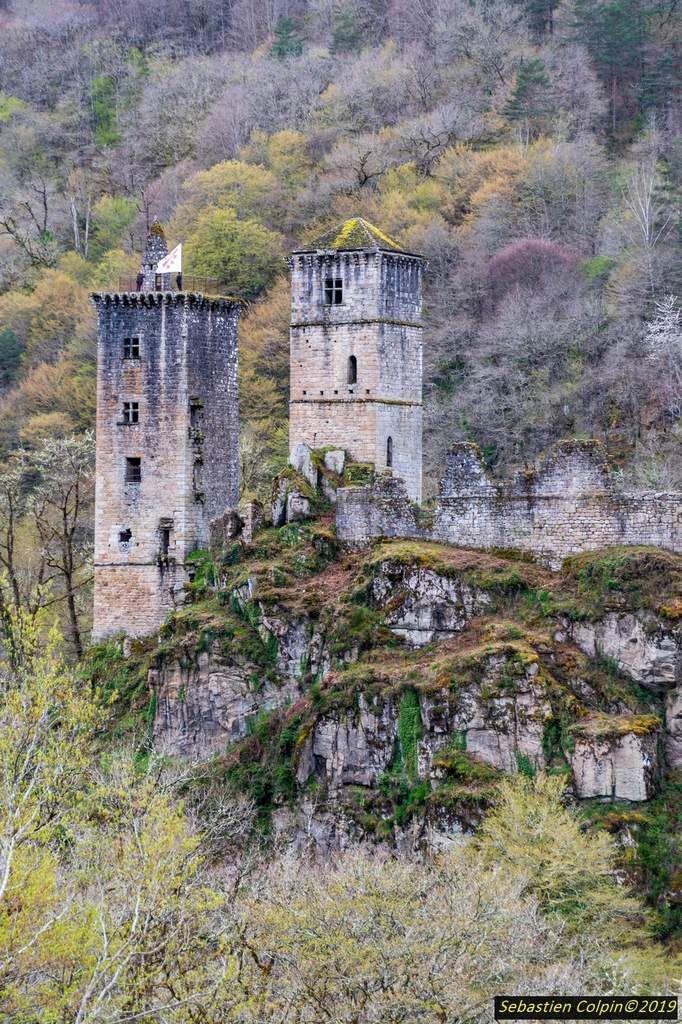 Les Tours de Merle, castrum médiéval prodigieux en Corrèze