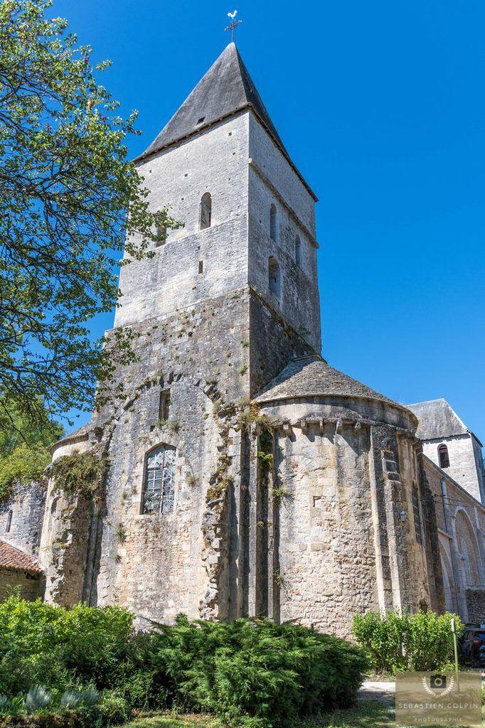 L'Abbaye de Tourtoirac et son Eglise en Dordogne, ses vestiges du XIème siècle