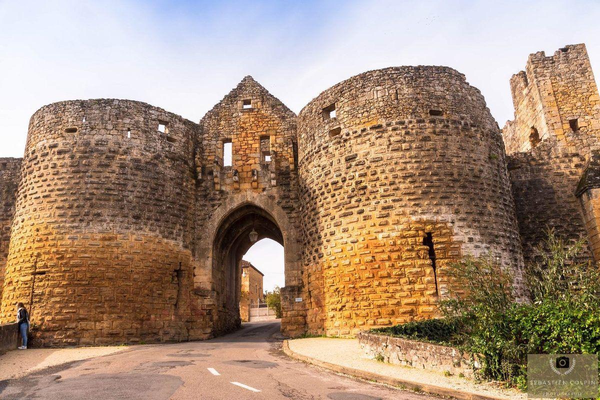 Bastide de Domme en Périgord, le joyau médiéval