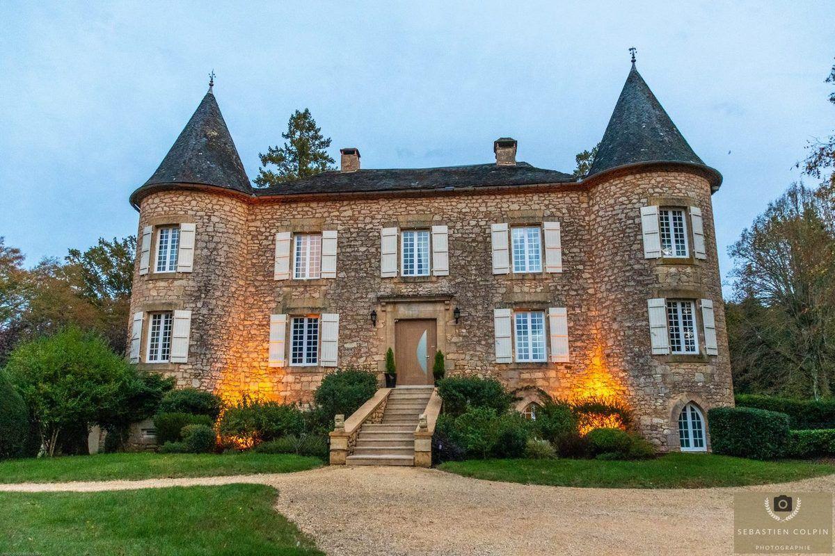 Le Château de Maraval à Cénac et Saint-Julien en Dordogne, demeure de charme et spa merveilleux