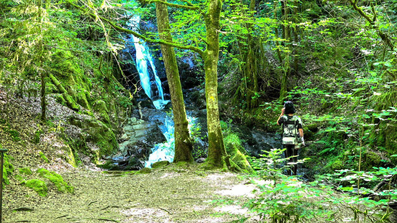 Village de Gimel les Cascades en Corrèze, nature et patrimoine, un écrin de beauté