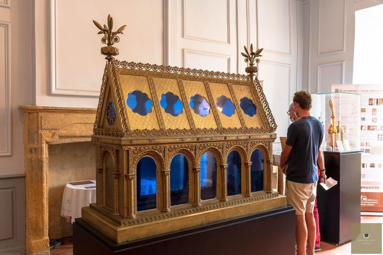 Cloître et Eglise de l'Abbaye de Cadouin, chef d'oeuvre de l'art gothique en Périgord