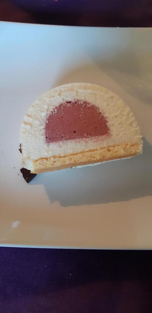 Bûche chocolat blanc framboise