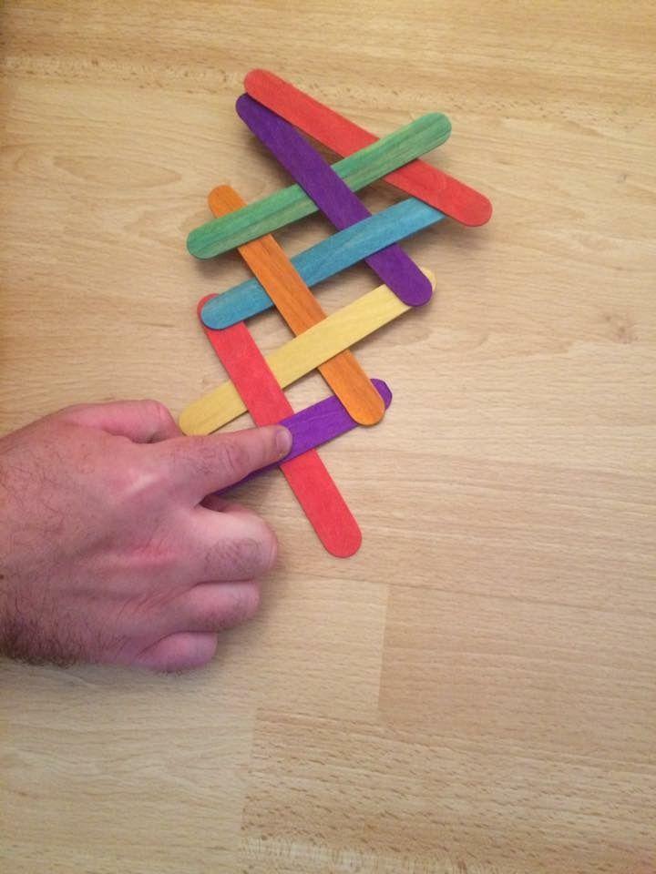 Réaction en chaîne avec des bâtonnets de glace