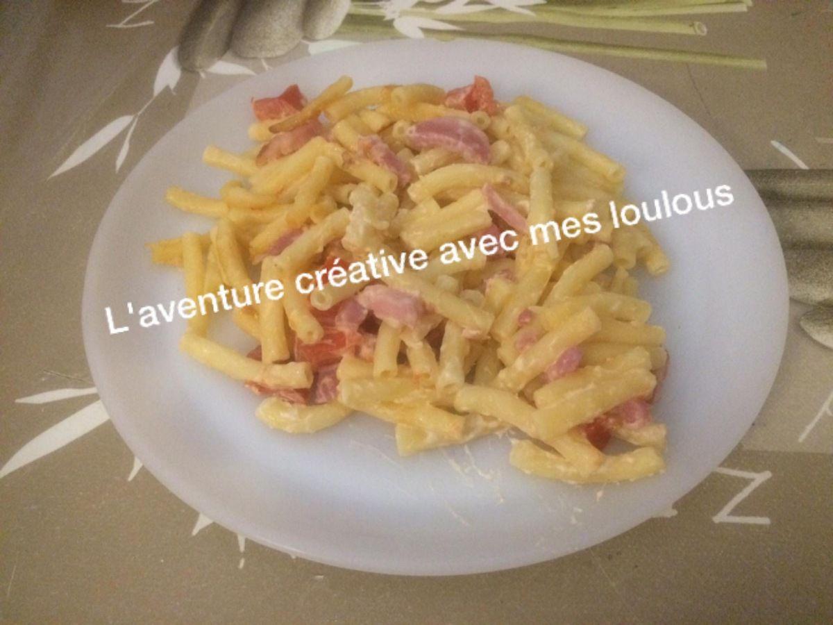 Gratin de pâtes aux lardons, aux tomates et au fromage