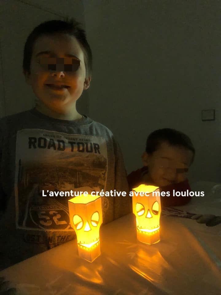Lanternes de papier en forme de crâne