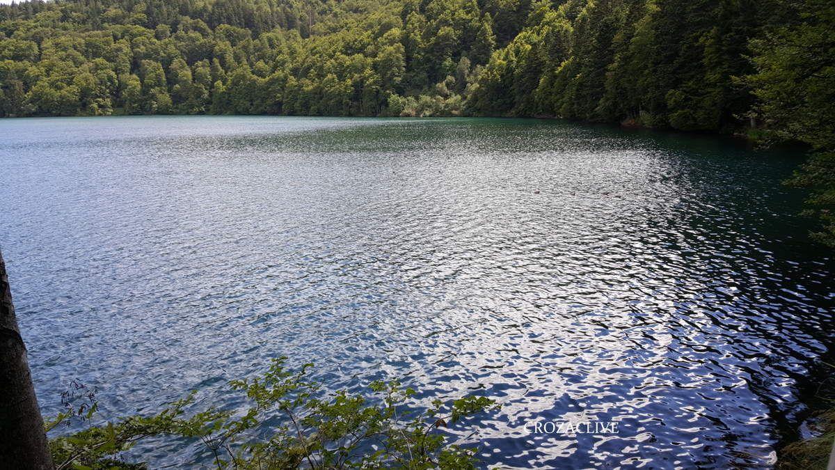 Le Lac Pavin, une curiosité volcanique auvergnate