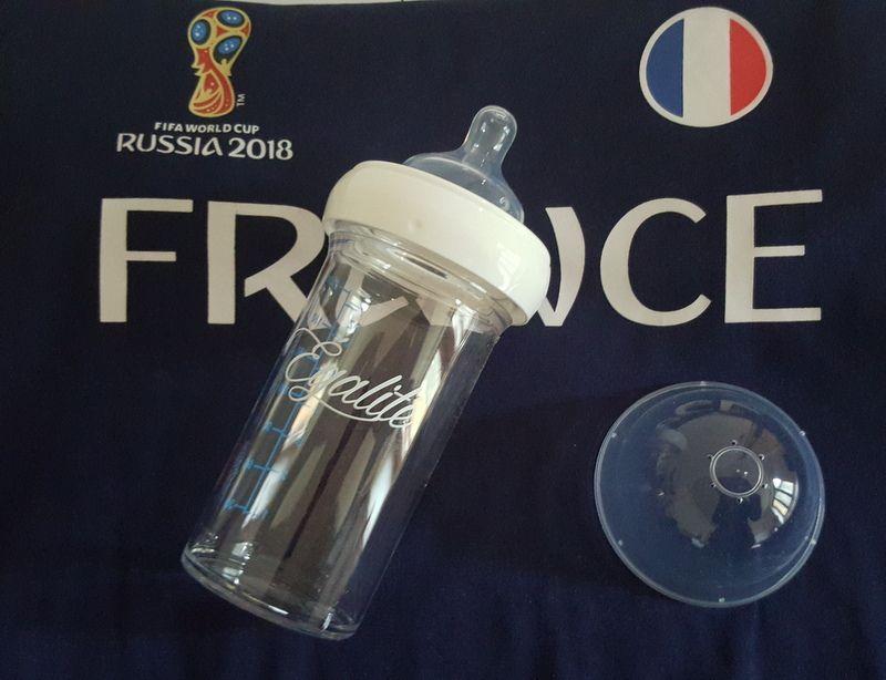 Pour que bébé soit aussi aux couleurs de la France avec Le Biberon Français